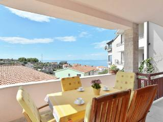 Beautiful sunny 4 bedroom apartment, Podstrana