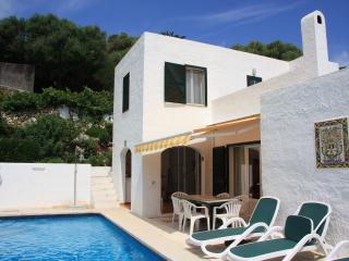 Binibeca, Villa Rosa, private pool, air con, sea view and near Binibeca Beach