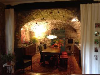 Historisches Natursteinhaus 90 qm in ländlicher Umgebung