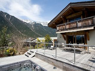 Chalet Telemark, 10 pax, closed to the center, Chamonix
