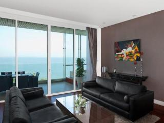 Luxurious apartment, The Cove Pattaya