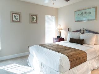 Guest Bedroom with Private Full Bathroom