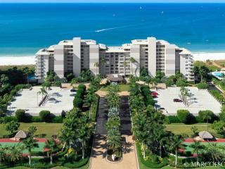 SOMERSET 812 - Weekly Beachfront Vacations Permitted!!  New for 2016 !!, Marco Island