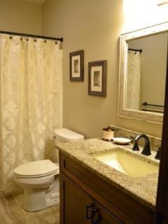 3rd bathroom w/ granite counters