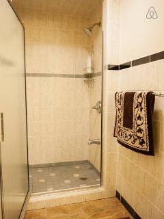 4th bedroom bathroom.