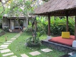 Rustic Luxury Two Bed Room : Shanti & Shanti Om, Sayan