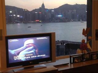 HK five star luxury 1.5 m bed bedrooms Theseas Apt, Hong Kong