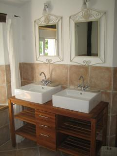 The Cottage - main bathroom upstairs with twin wash-basins