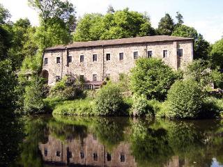 Maison avec plan d'eau privé dans site historique, Vernoux-en-Vivarais