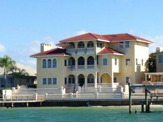 Tierra Verde Waterfront Mansion, San Petersburgo
