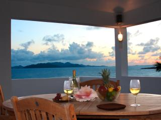 COUPLES ONLY RETREAT - Stunning Panoramic Ocean Views - Private Pool