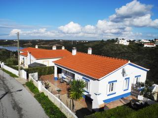Casa Sunshine - perfect for couples and young kids, Aljezur