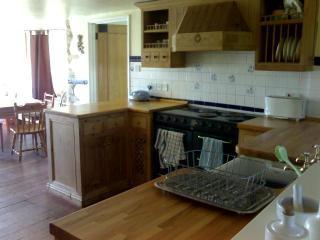 Lancombes House Farmhouse - Kitchen