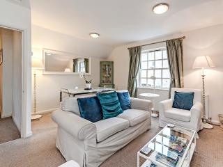 Boutique self catering apartment in Bath city center