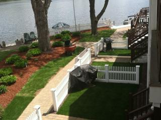 ** REDUCED, August, Labor day , WATERFRONT $750 wk, Tilton