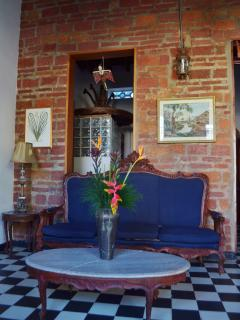 Sala principal con muebles LUIS XIV, Barroco