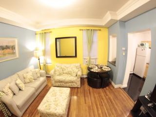 CUTE APARTMENT 10 MINUTES AWAY FROM TIMES SQUARE