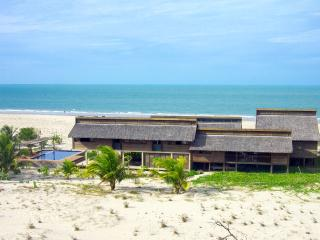 Beach House Prea: fully-staffed luxury villa on Jericoacoara's main kite beach