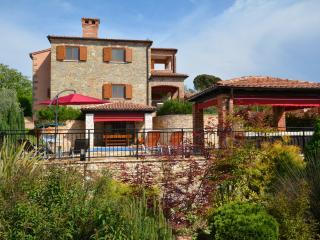 Villa Maxime, Kastelir