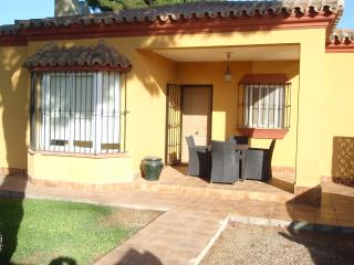 Holiday Villa with Swimming Pool - Golf Nearby, Chiclana de la Frontera