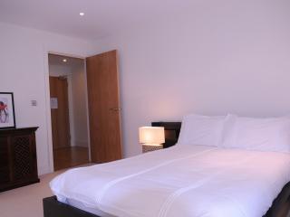 Comfortable 01 Bed Lanterns Court Apartments, London