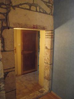 Hall La Cave