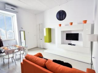 High End Apartment in Heart Of City, La Valeta