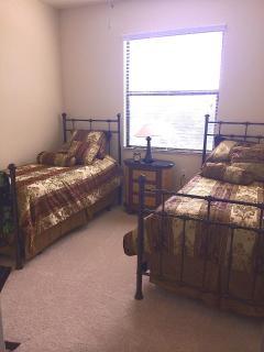 2d Bedroom w twin beds