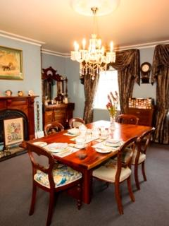 Guests dining room for personnel intimate dining.