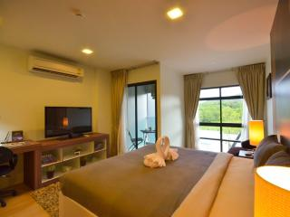 Bangtao Condo with Pool and GYM, Bang Tao Beach