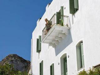 Skyros Traditional Villa- Aegean view