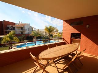Palm Village - 3 bedroom apartment - sleeps 6 + 1, Vilamoura