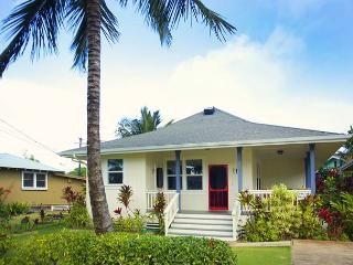 Ho'ona Hale - Delightful 2 Bedroom Cottage with Whitewater Ocean Views, Koloa