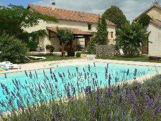 Ancienne Bergerie avec piscine privée pour 6-8 p, Saint-Martin-de-Fressengeas