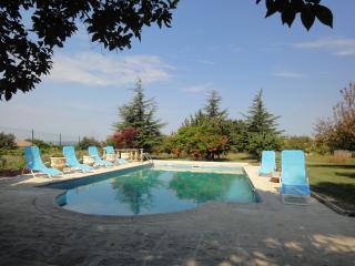 La Coustonne Grand Maison en provence avec piscine privee, internet au calme