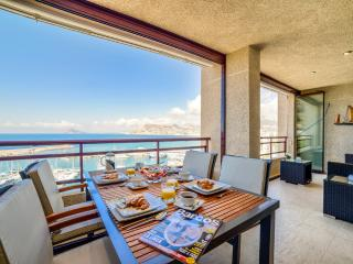 UNIQUE LUXURY 3 BEDROOM FRONTLINE APARTMENT, Calpe