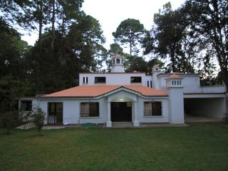 Nice Villa close to Guatemala City and Antigua