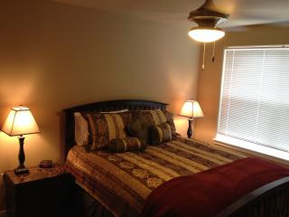 **FULLY FURNISHED 1 BD 700 +ft,  SHORT TERM APT**, Wilsonville