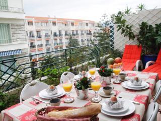 Breakfast on the terrasse