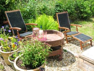 LOTHLORIEN COTTAGE, family friendly, country holiday cottage, with a garden in Cwmgors, Ref 2549