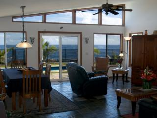 Hale Mar: Luxury, Absolute Oceanfront Home w/private Pool and Hot Tub!