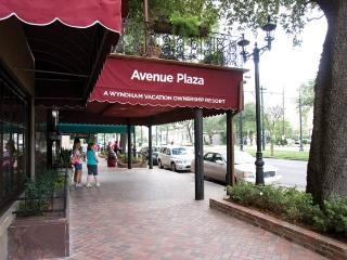 New Orleans 1br Suite - Avenue Plaza - Sleeps 4