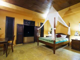 Fresh and Clean 2BR Cottage in Mas Village, Ubud
