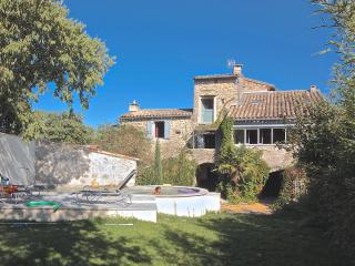 Grand mas haut standing dans petit village, Anduze, Pompignan