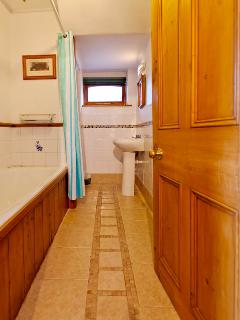 En-suite bath room for double room