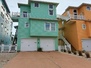 Luxurious 4 Bedroom 3 1/2 Bath with Great Ocean Views.  Community Pool, Port Aransas