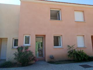 Villa 3 étoile/2 Chambres/residence fermée/piscine, Santa-Maria-Poggio