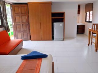 Bo Phut Service Apartment with Kitchen, Surat Thani