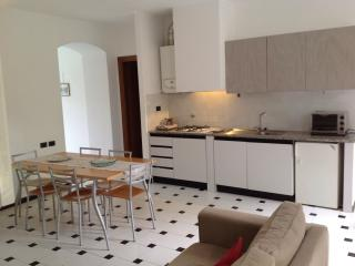 LOVELY APPARTMENT NEAR THE BEACH, Levanto