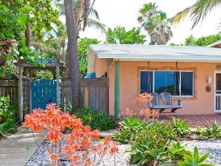 Dog & Family friendly Oceanfront Garden Villas